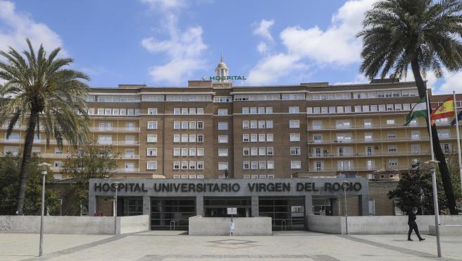 Fachada del Hospital Universitario Virgen del Rocío