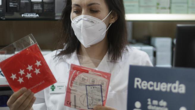 La Comunidad empezará el miércoles con el segundo reparto de mascarillas en las farmacias