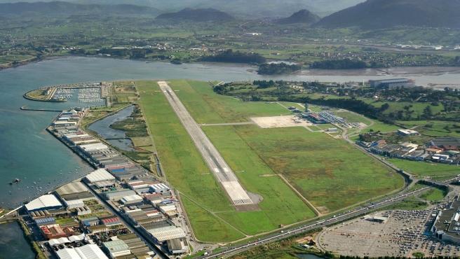 Cantabria solicita el paso a la fase 3 y la reapertura del aeropuerto