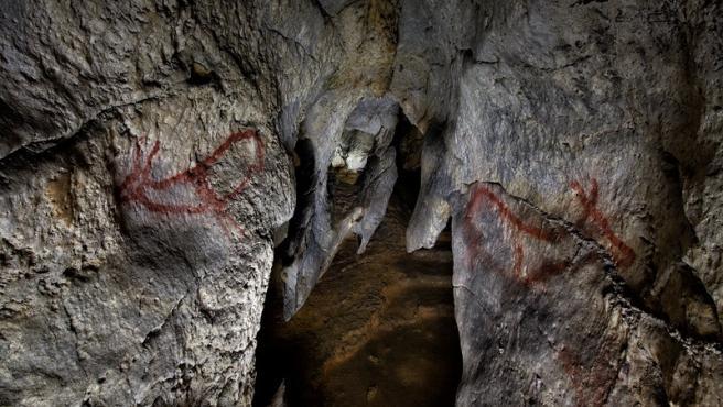 Ciervas de la cueva de Covalanas