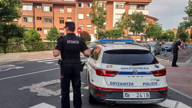 Dispositivo policial por la agresión con arma blanca en Getxo (Bizkaia)