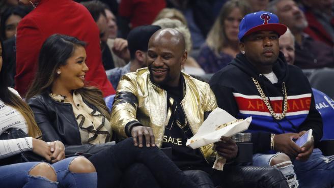NBA basketball - Los Angeles Clippers vs Dallas Mavericks