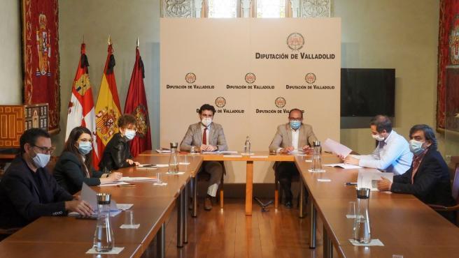 Reunión de los grupos y el equipo de Gobierno en la Diputación de Valladolid.