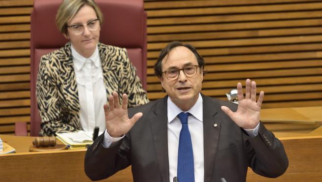 Soler en la seua compareixença en Els Corts