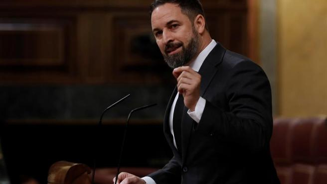 El líder de Vox, Santiago Abascal, interviene durante el pleno del Congreso.