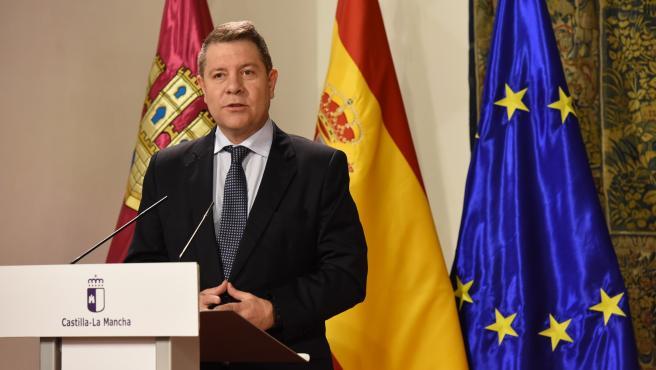 Emiliano García-Page en la firma del acuerdo de PSOE y Ciudadanos