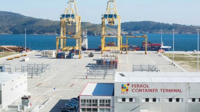 Ferrol estrena su segunda línea regular de portacontenedores.