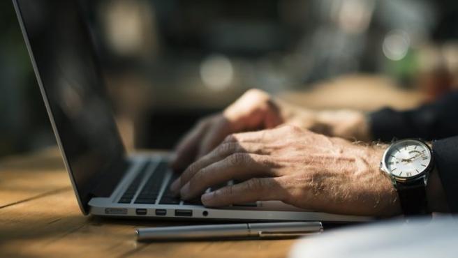 La Agencia para el Empleo reorienta sus cursos, amplía la oferta y potencia enseñanza online