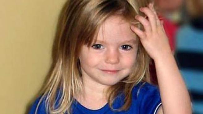 El caso Madeleine McCann ha dado un nuevo vuelco, tras más de una década desde la desaparición de la pequeña en el sur de Portugal en 2007, con la identificación por parte de la Policía de un posible sospechoso. Se trata de un presidiario alemán de 43 años que viajaba por el país vecino con una furgoneta blanca y amarilla de los 80, cuando la niña fue vista por última vez en el Algarve.