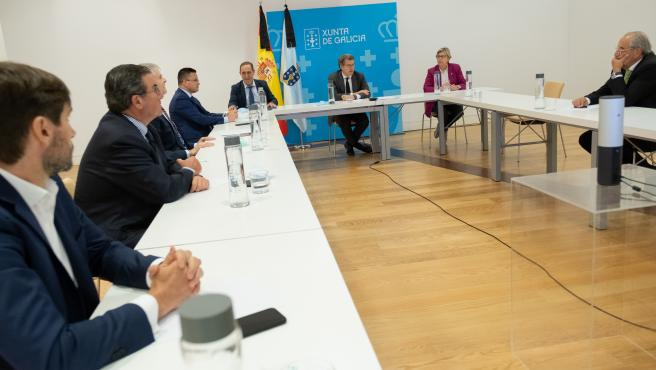 O presidente da Xunta, Alberto Núñez Feijóo, reúnese co comité de expertos económicos. Na Biblioteca e Arquivo de Galicia. Cidade da Cultura (), 04/06/20.