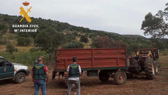 Remolque recuperado por la Guardia Civil tras haber sido robado en la provincia de Cáceres