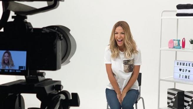 Tamara Gorro grabando una colaboración con 'Sephora'.