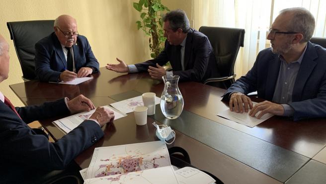 Renión entre el Ayuntamiento de Sevilla y la Junta de Andalucía, con Juan Espadas y Jesús Aguirre