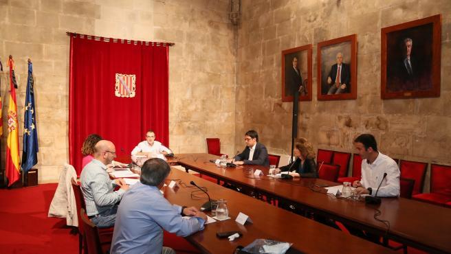 La Mesa de Diálogo Social de Baleares elevó el jueves la propuesta de los ERTE al Gobierno del Estado.
