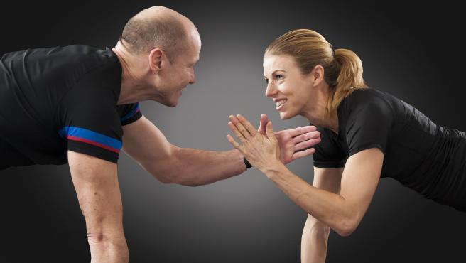 Tanto en España como a nivel global, los hombres aseguran realizar más ejercicio que las mujeres.