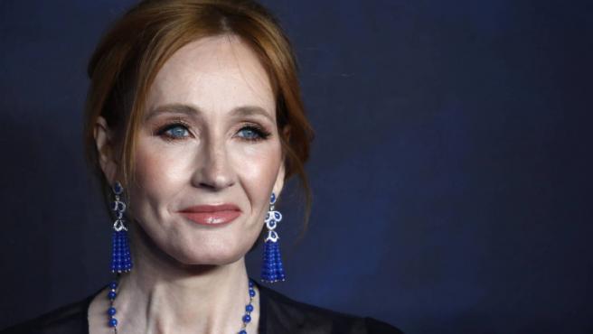 Las redes estallan contra J.K. Rowling a partir de un nuevo comentario tránsfobo