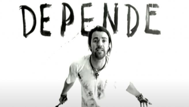 Pau Donés quería demostrar a toda costa que Jarabe de Palo no era una banda de un solo éxito y en el año 1998 lanza 'Depende', la que se convierte en la canción más reconocible de la formación aragonesa.