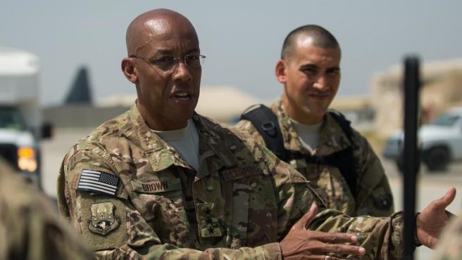 El general estadounidense Charles Q. Brown Jr., en Afganistán, en 2015.
