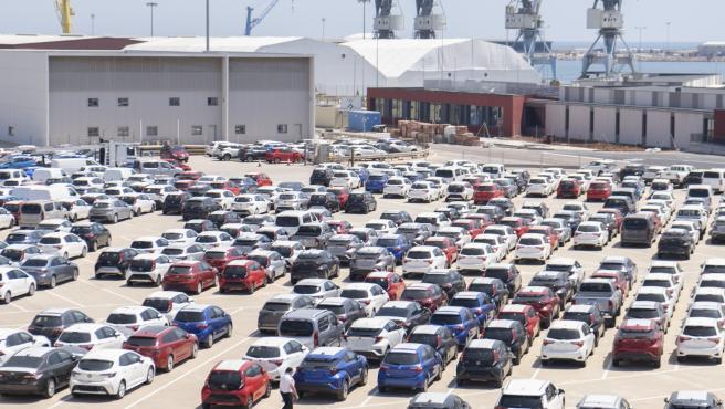 Hasta la llegada de la pandemia los coches ocupaban un promedio del 50% de la ciudad, contando las carreteras y los estacionamientos. Una persona urbanita promedio podía pasar unas 100 horas en atascos cada año.