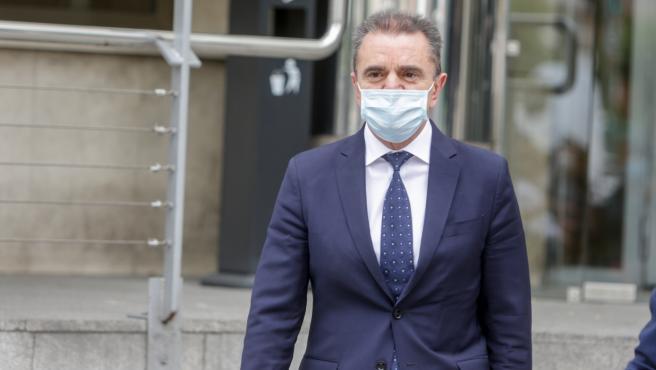 El delegado del Gobierno en Madrid, José Manuel Franco, a su salida tras declarar ante la juez de Madrid, Carmen Rodríguez-Medel, como investigado por un delito de prevaricación por permitir concentraciones multitudinarias, como el 8-M, los días previos a