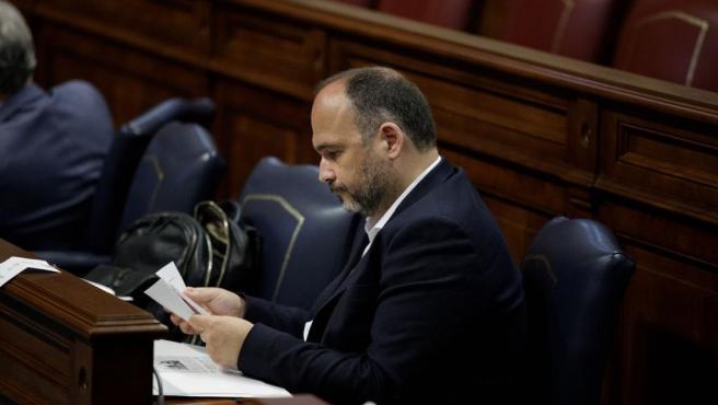 El consejero de Educación del Gobierno de Canarias, José Antonio Valbuena