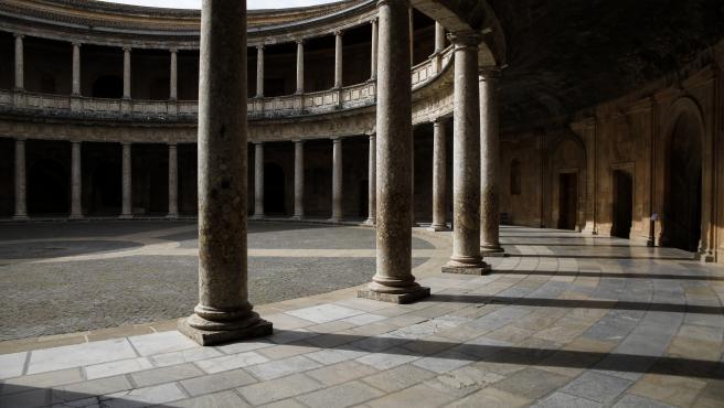 La Alhambra de Granada vacía por la crisis del coronavirus.