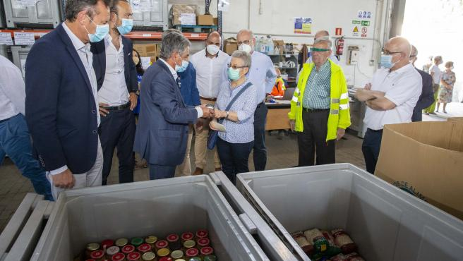 El Gobierno Reparte Otros 8.000 Kilos De Productos De Cantabria Al Banco De Alimentos Y A La Cocina Económica (Nota Y Foto)