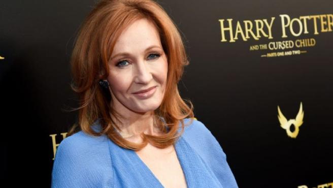 Warner Bros. se desmarca de la transfobia de J. K. Rowling