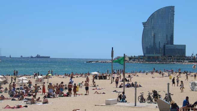 La playa de la Barceloneta, este sábado 13 de junio.