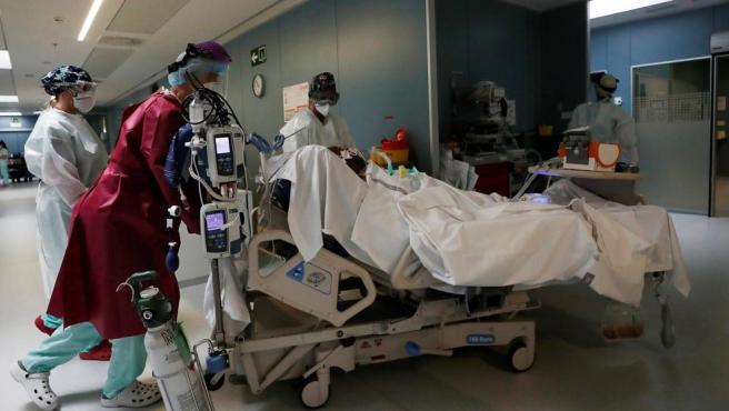 Un paciente de Covid-19 en el Complejo Hospitalario de Navarra.