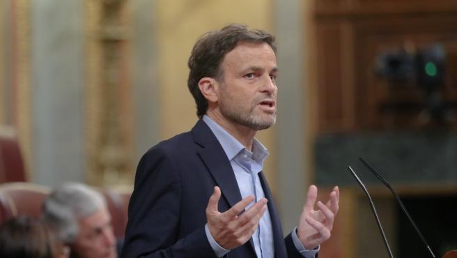 El portavoz parlamentario de En Comú Podem, Jaume Asens, hablando en la tribuna del Congreso