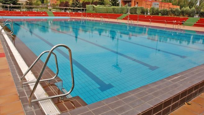 Imagen de recurso de la piscina pública del distrito de Moratalaz.