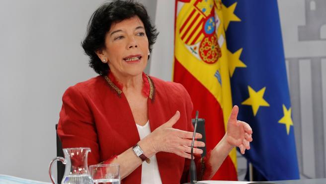 La ministra de Educación, Isabel Celaá, durante la rueda de prensa posterior al Consejo de Ministros.