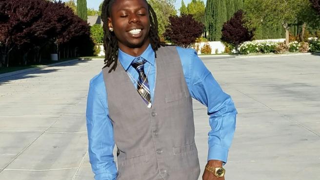 Robert Fuller, de 24 años, fue encontrado colgado sin vida de un árbol en Palmdale, California (EE UU).