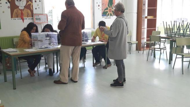 Un colegio electoral de Ferrol durante las elecciones municipales y europeas del 26 de mayo de 2019.