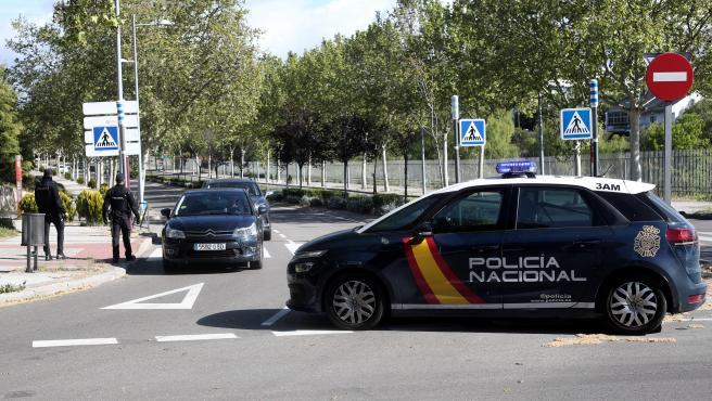 Control de la Policía Nacional en Pozuelo de Alarcón.