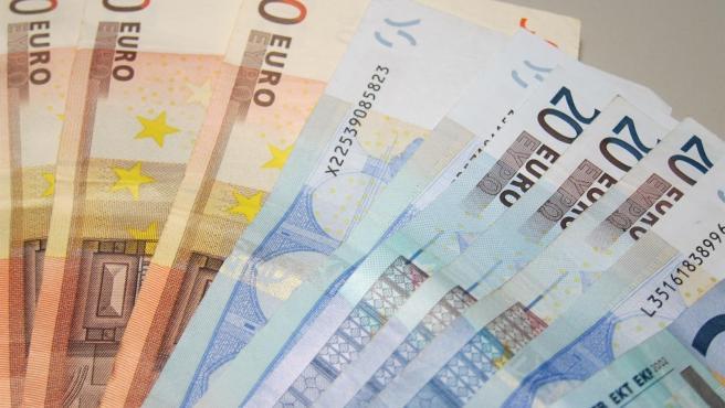 Imatge d'arxiu de bitllets de 50 i 20 euros