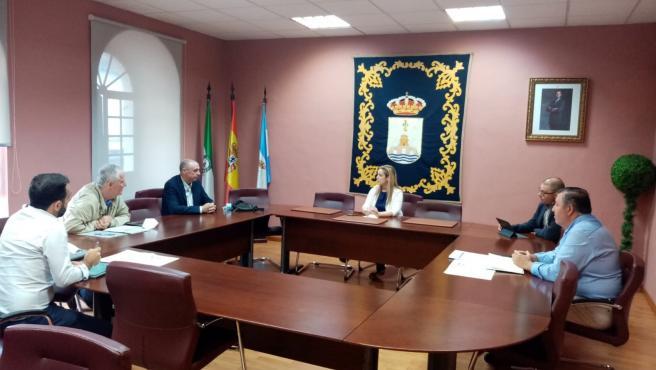 Reunión de la alcaldesa con el consejero de Emasesa