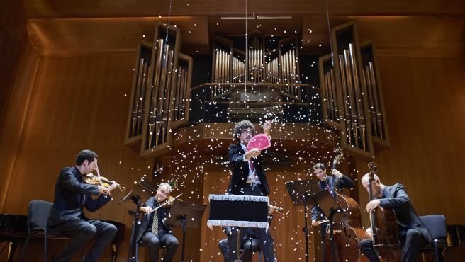 Espectáculo musical de magia en la Escuela Superior de Música Reina Sofía.