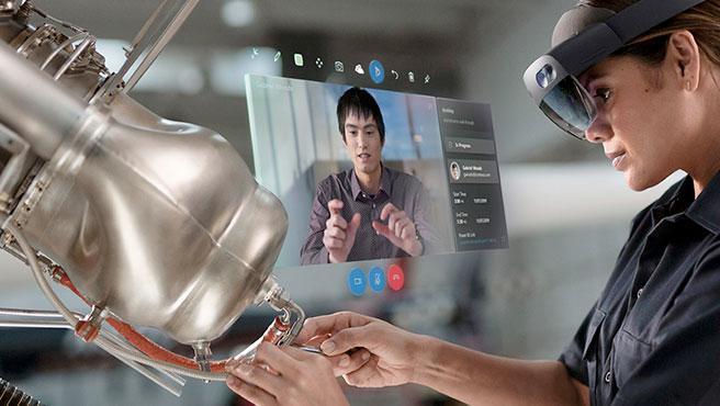 Las HoloLens 2 permiten actuar con los hologramas con gestos y a través de la voz