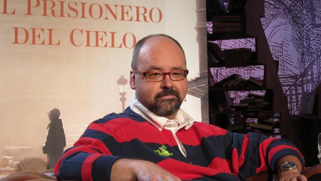 El escritor catalán Carlos Ruiz Zafón (archivo)