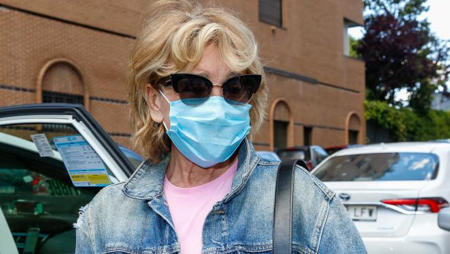 Mila Ximénez, a la salida del hospital.
