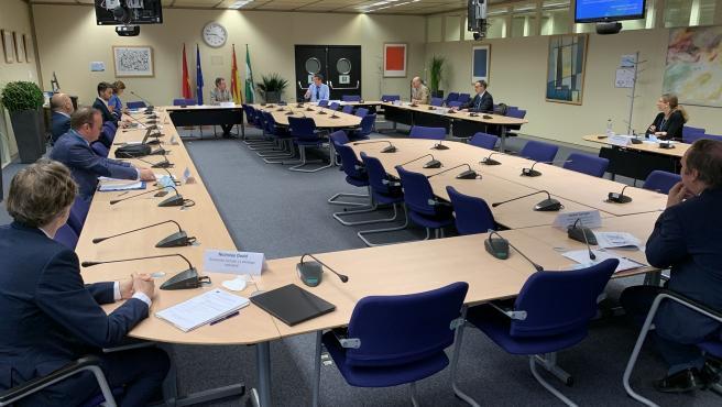 Espadas y Centro de Investigaciones de UE acuerdan un concurso mundial para la nueva sede en Puerto Triana