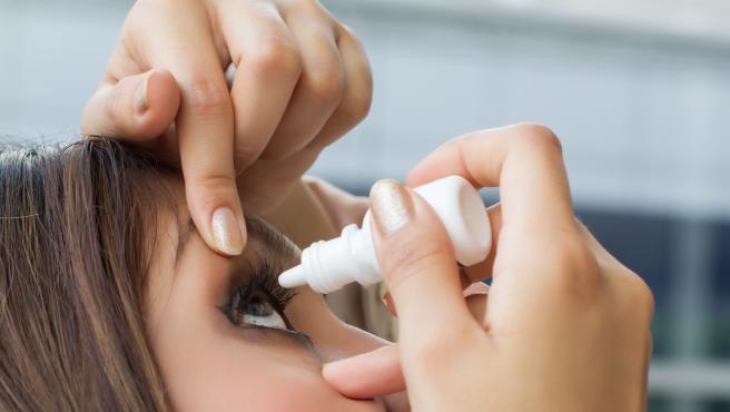 La conjuntivitis y el ojo seco también pueden ser síntomas primarios de coronavirus.