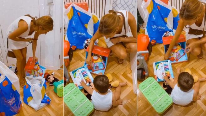 Elena Rodríguez juega con su nieto.