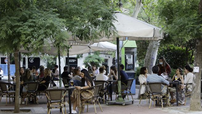 Terrazas en la Plaza de Olavide en Madrid.