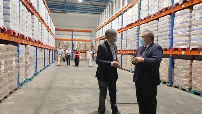El subdelegado del Gobierno en Málaga informa sobre el reparto de alimentos entre más de 66.000 malagueños en riesgo de exclusión social