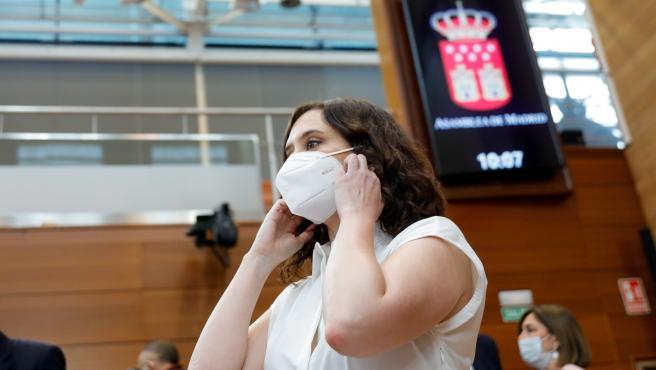 La presidenta de la Comunidad de Madrid, Isabel Díaz Ayuso, durante una sesión plenaria en la Asamblea de Madrid.