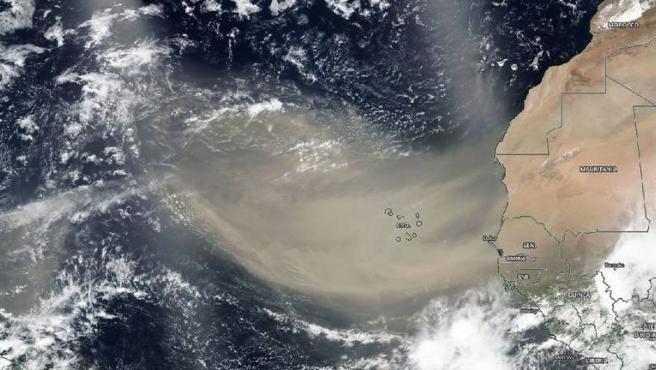 Penacho de polvo sahariano de 3.000 kilómetros observado el 18 de junio de 2020.