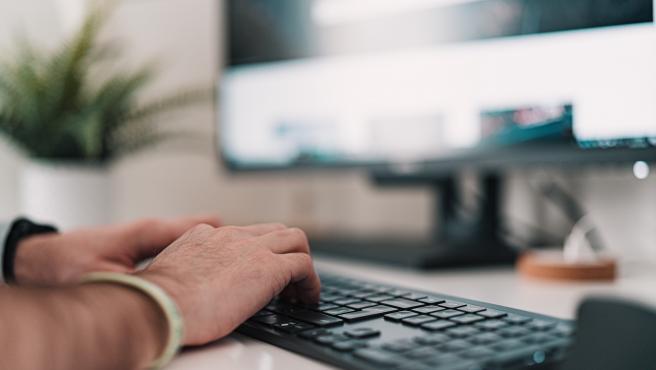 Teletrabajar desde casa aumenta el riesgo de sufrir ciberataques.